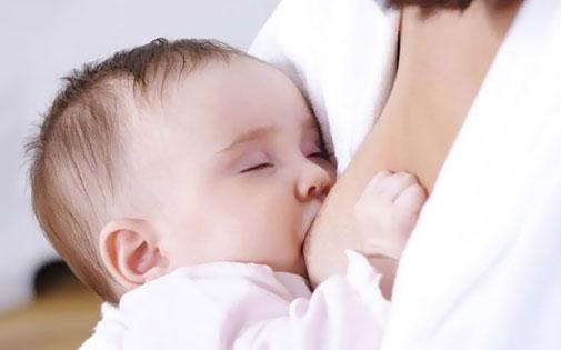 Emzirmenin Anneye ve Bebeğe Yararları