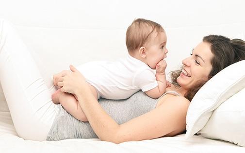 Bebek kucağa ne zaman alınmalı? ne kadar tutulmalı?